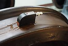 УЗ контроль поверхности катания вагонного колеса волнами Рэлея.